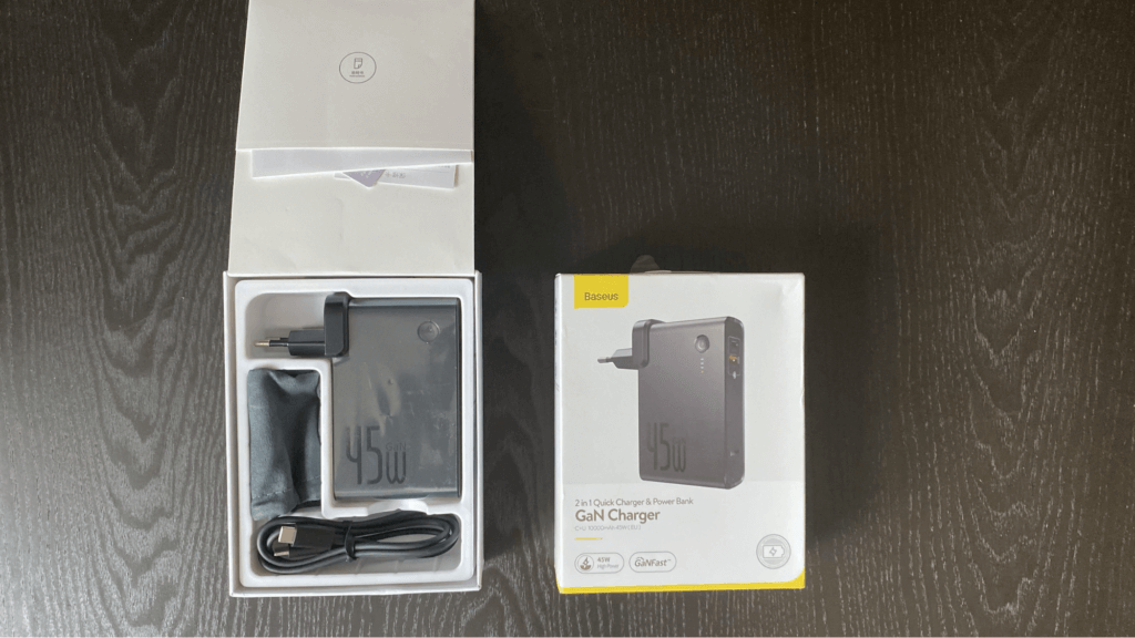 Baseus 2-in-1 Quick Charger & Power Bank GaN charger 開けてみた